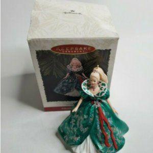 1995 Hallmark Keepsake Ornament Holiday Barbie
